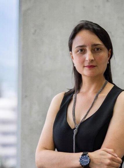 Pamela Navarro - Abogada Asociada Tributario